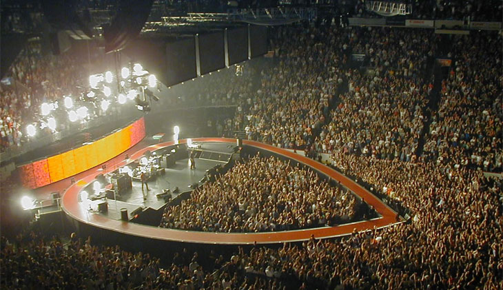 U2 Kicks Off eXPERIENCE + iNNOCENCE Tour With Debuts ...