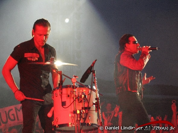 Larry Mullen Jr - Love and Peace or else